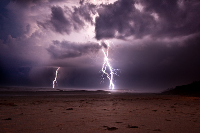 2013-10-01_lightning ocean
