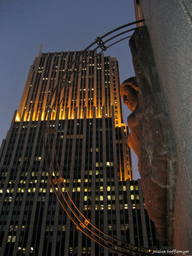 2013-11-15_woman building