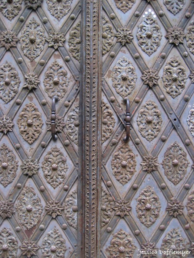 2015-08-13_C_elaborate door