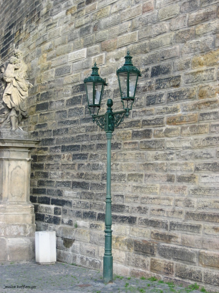 2016-09-30_czech_prague-street-lamp